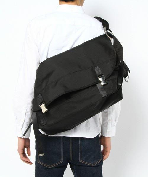メッセンジャーバッグで作る!こなれたメンズコーデ6選      の1枚目の画像