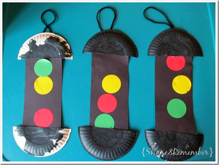 Paper Plate Traffic Lights Fun Family Crafts