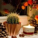 DIY – Herbstdeko mit Blumen, Kerzen und Kupfer