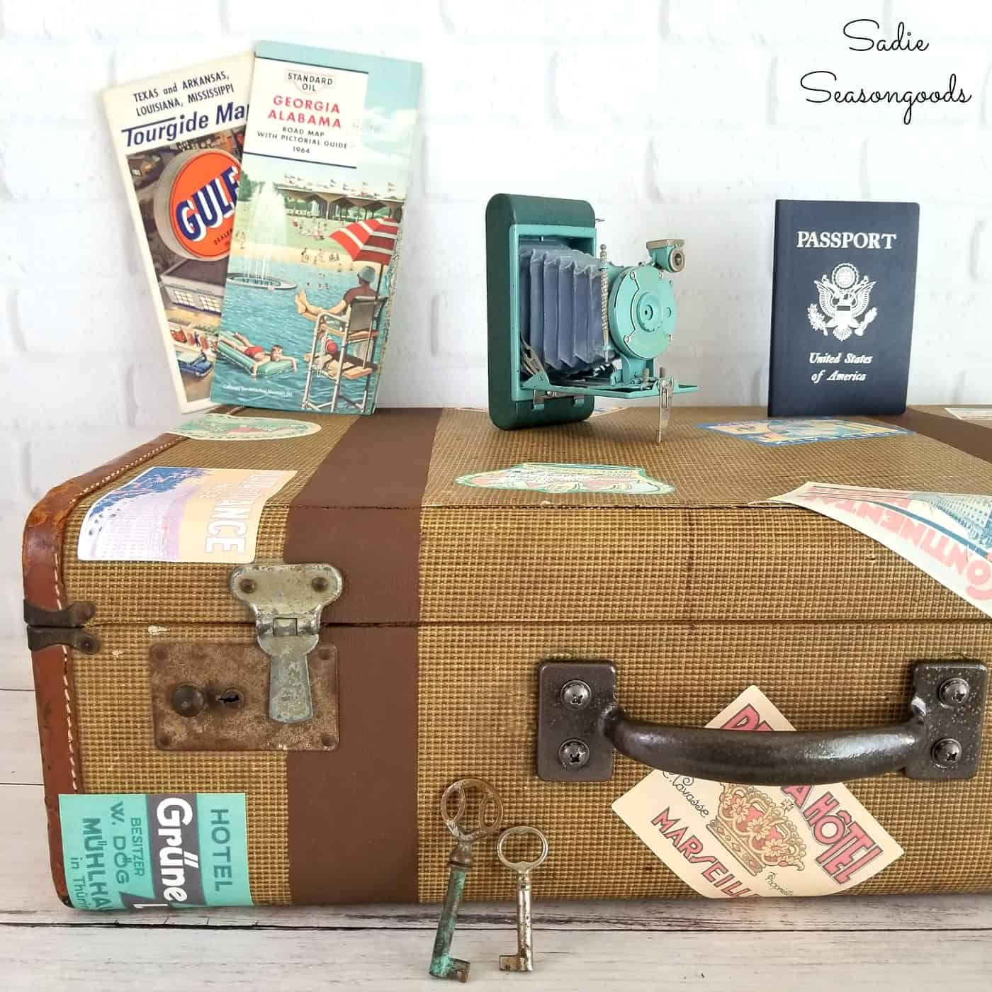Vintage Decorative Suitcases Diy Salvaged Junk Projects 440funky Junk Interiors