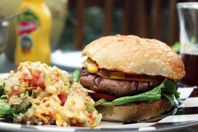 Burger with quinoa