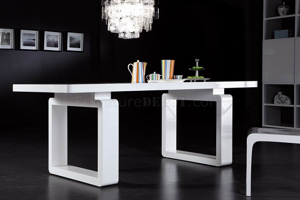 Modern White Dining Table White Finish Modern Dining Table W Elegant Legs