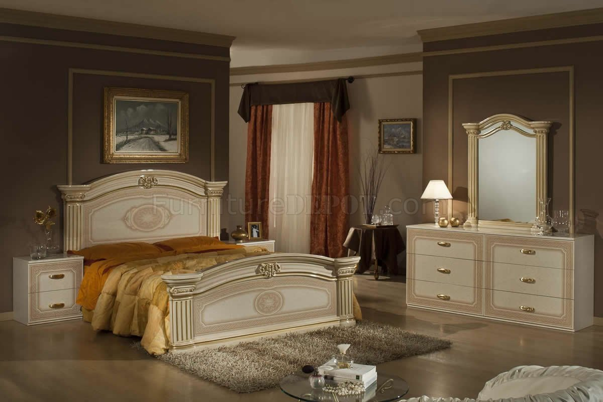 Two Bedroom Set Beige And Gold Two Tone Finish 5pc Traditional Bedroom Set