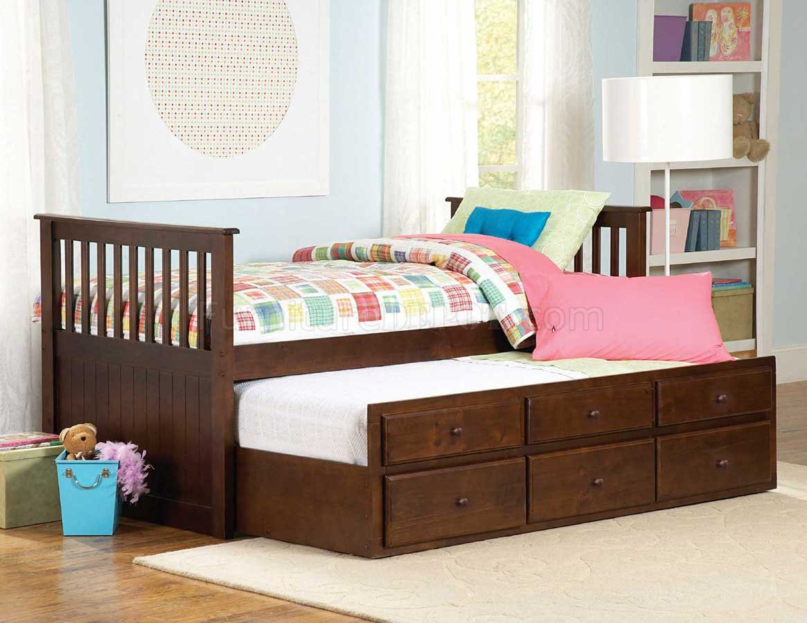 3 Twin Beds In The Space Of 1 571pe 1 Zachary Twin Twin Trundle Bed In Espresso By