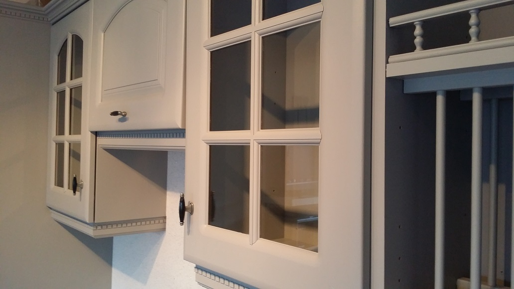 cornice light pelmets detailed painted kitchen mahogany cupboard cabinet dollhouse furniture
