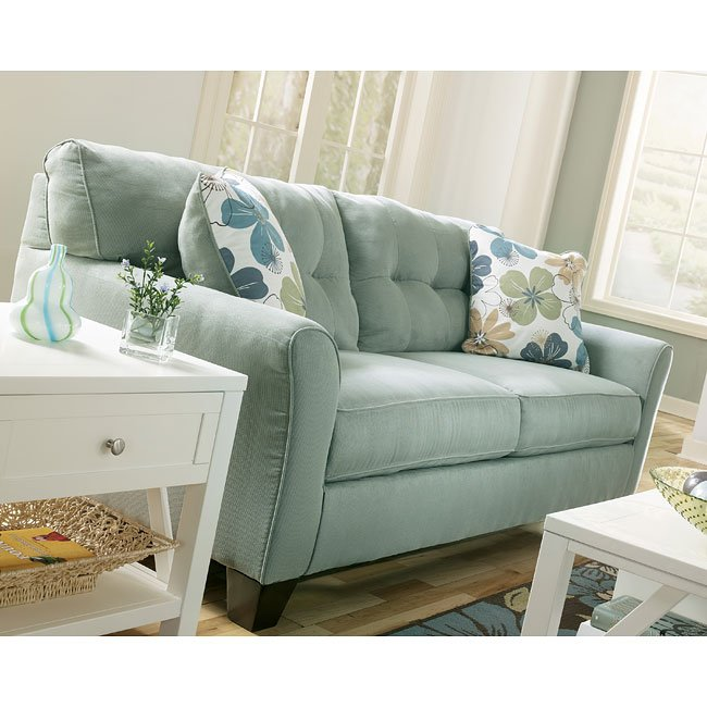 Comfy Sofas For Small Spaces Furniturepick - Sofas For Tiny Rooms