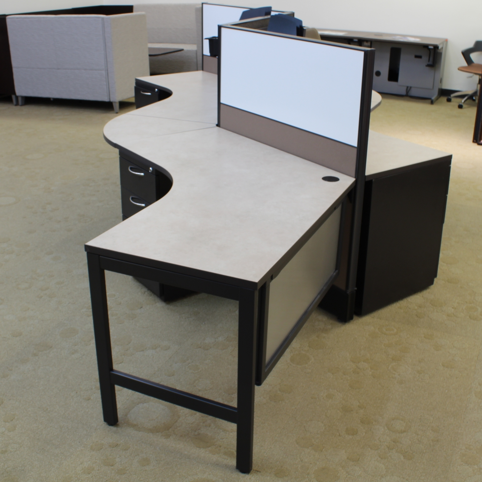 Workstation Furniture Ais Divi Serpentine 4 Pod Workstation
