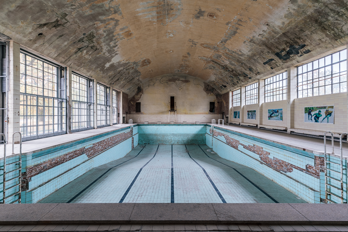Swimmingpool Berlin Architecture Colour Archives Florian Wizorekflorian Wizorek