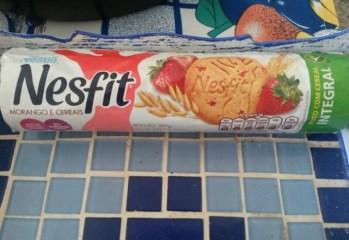 Biscoito Nesfit Morango e Cereais Nestlé