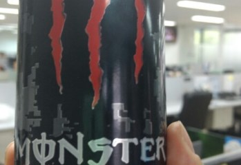 Energético Assault Monster Energy