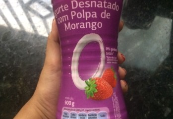 Iogurte Desnatado com Polpa de Morango Dia