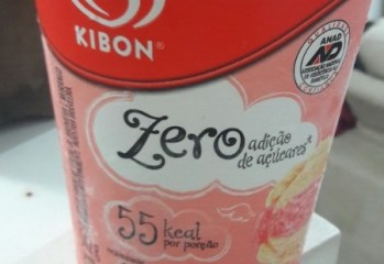 Sorvete Zero Baunilha e Morango Kibon