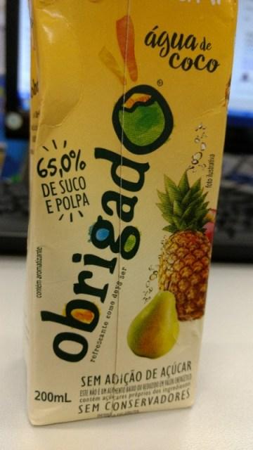 Bebida de Pera e Abacaxi com Água de Coco Obrigado