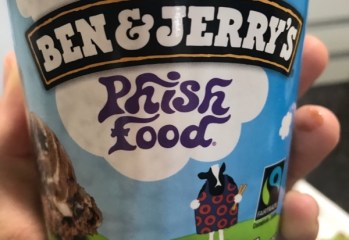 Sorvete Sabor Chocolate Com Marshmallow Phish Food Ben & Jerry's