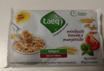 Massa Alimentícia Instantânea Integral Minifusilli com Molho Sabor Tomate e Manjericão Taeq