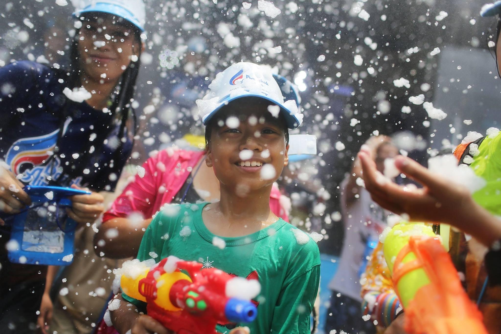 タイのソンクラーン(水かけ祭り)