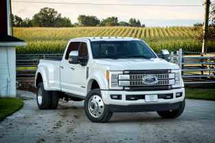 All-new 2017 Ford F-450 Super Duty Platinum Crew Cab 4x4 Class 3 dual-rear-wheel pickup is the top-of-the-line luxury model and tow boss of the lineup. It can pull heavier gooseneck and fifth-wheel trailers than ever.