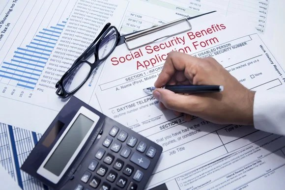 6 Reasons Claiming Social Security at Age 70 May Be a Mistake -- The