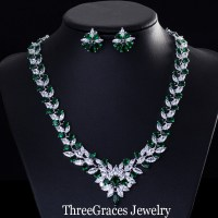 Elegant Emerald Green Necklace And Earrings Large Flower ...