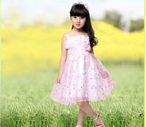 wedding dress with ball gown and floral details for girls age 10