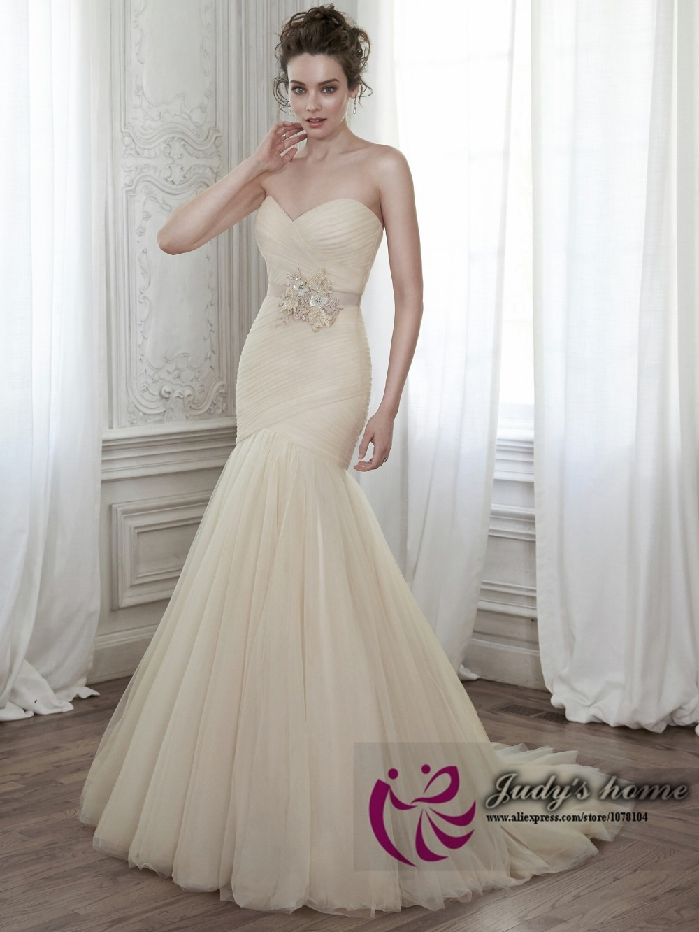find elegant simple wedding dress simple elegant wedding dress Find Elegant Simple Wedding Dress
