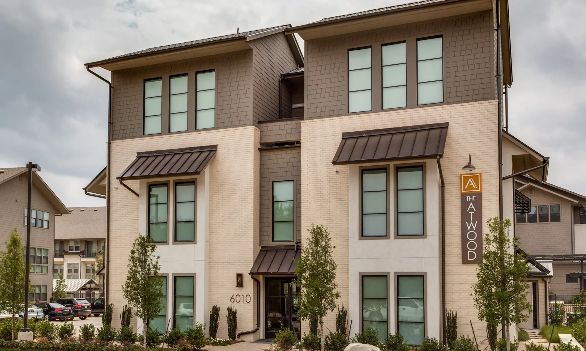 Garage Apartment For Rent In Dallas Dallas Apartments Townhomes For Rent Atwood At Ellison