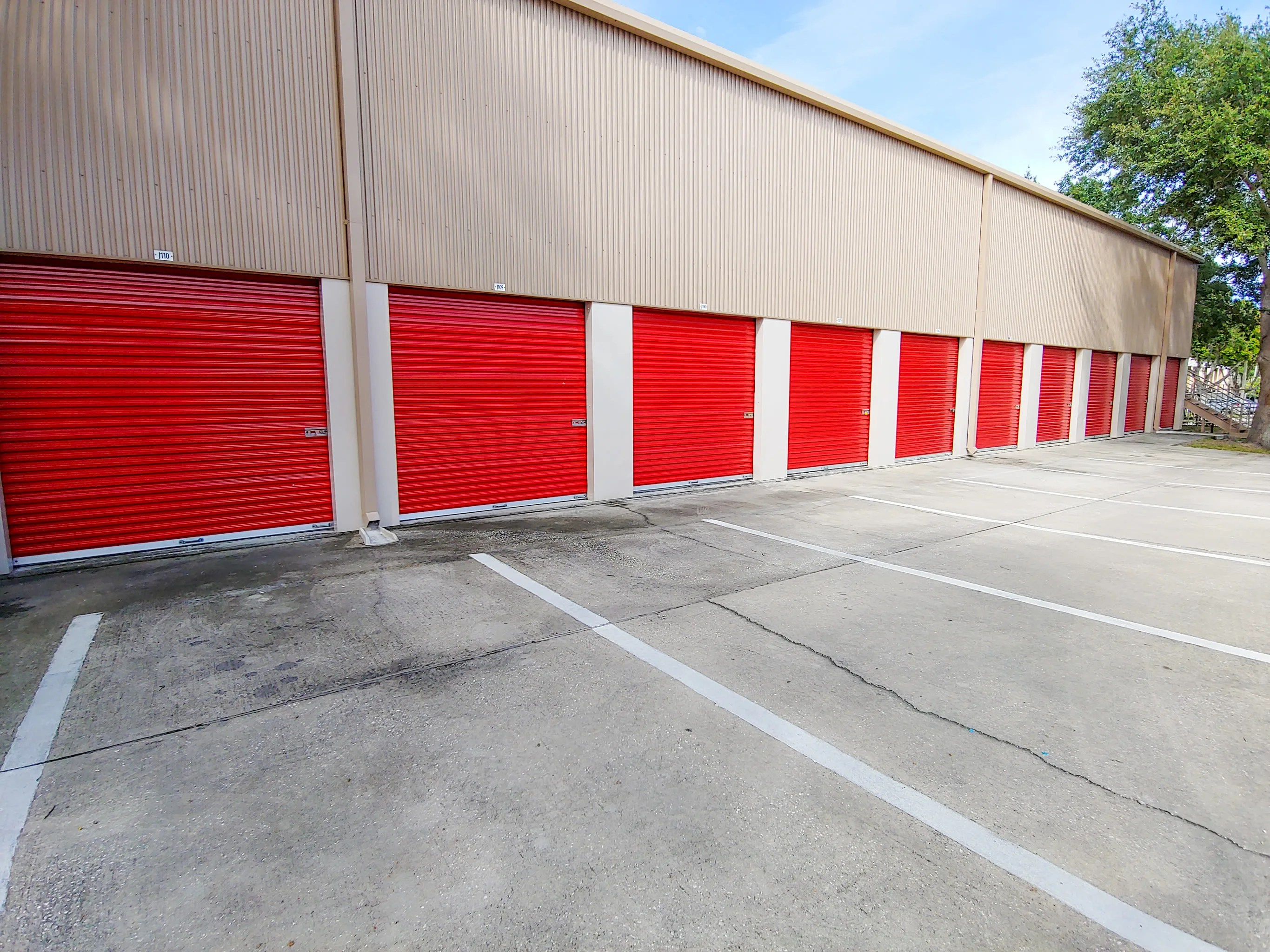 Self Storage Tampa Storage Facility Features In Tampa Fl Storquest Self Storage