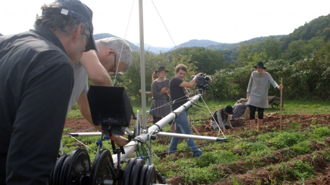 """""""Making of"""" Pfalzgeschichten: Mit großem technischem Aufwand werden in Vorderweidenthal Kartoffeln geerntet...."""