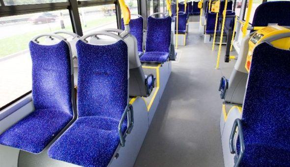 siedzenia-w-starych-autobusach-byly-15514_l