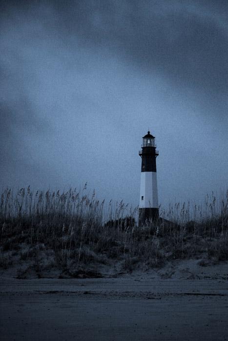 Hd Pigeon Wallpaper フリー写真 暗雲と灯台の風景でアハ体験 Gahag 著作権フリー写真・イラスト素材集