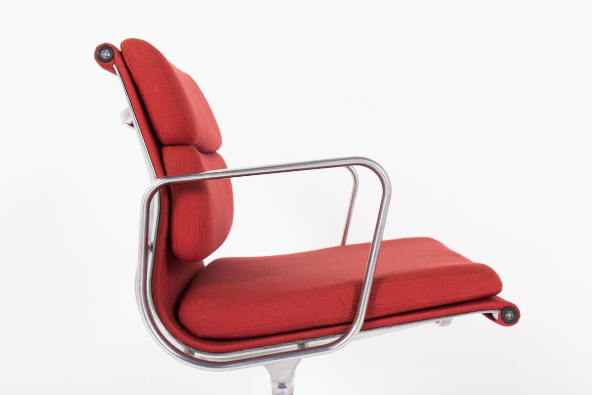 Fauteuil Cuir Vitra Eames Office Armchair Model Ea 208 Soft Pad Collection Brick Red Fabric Edition Vitra 1970