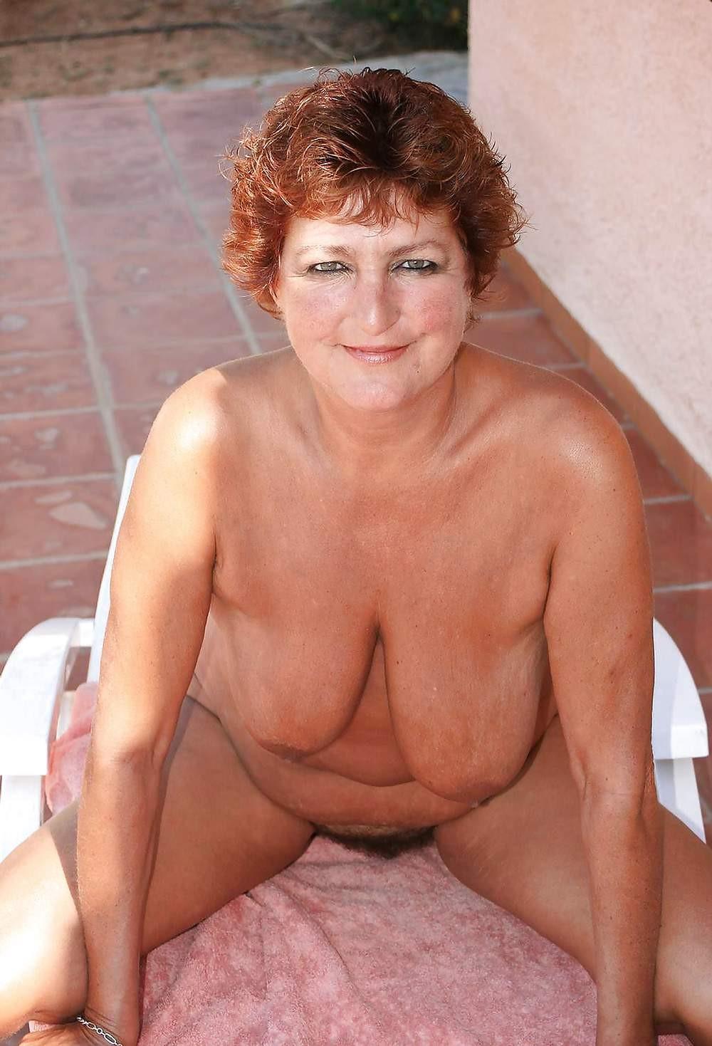puplic empty saggy tits moms