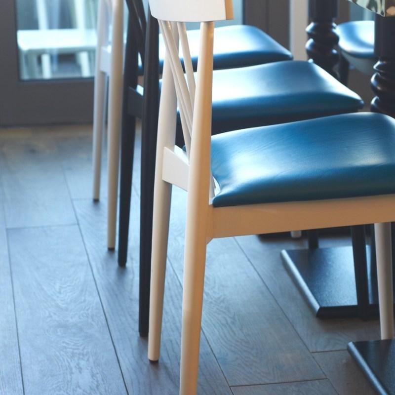 Кафе-бар Fourth Floor  в Англии