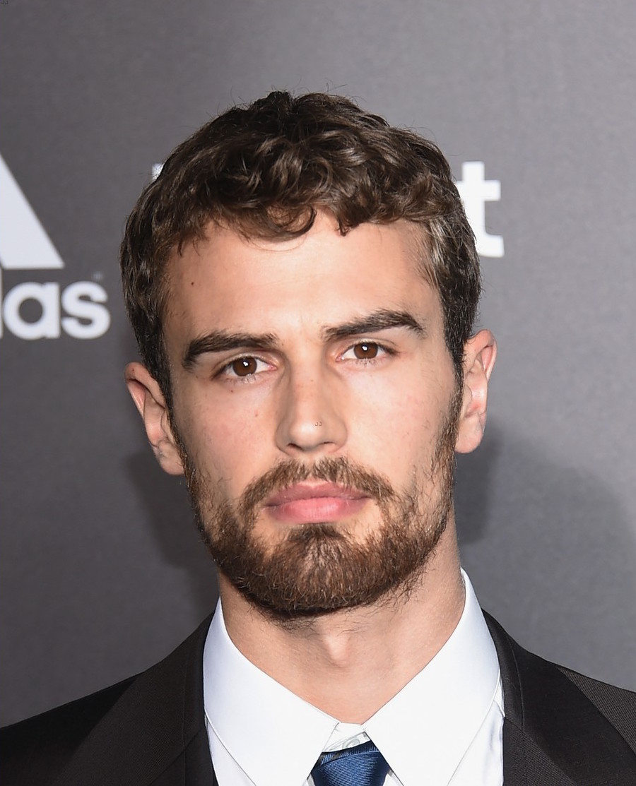 Power Pop Girl Wallpaper Bearded Bae Theo James Can Get It And We Can Give It