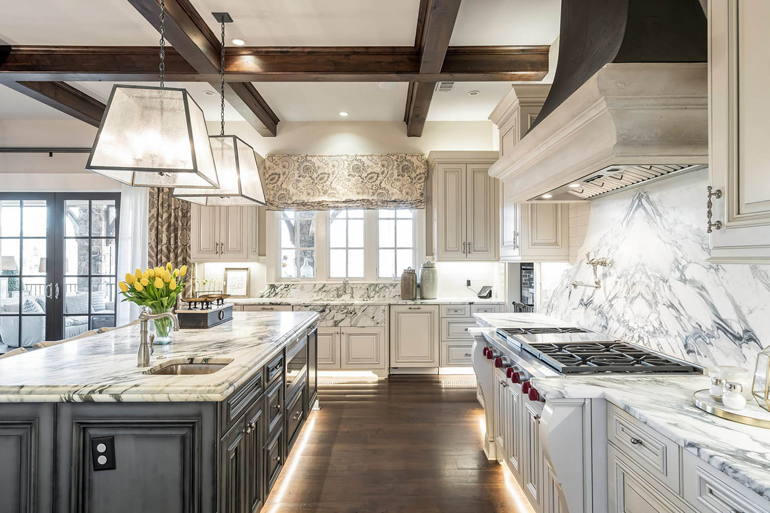 Cream Kitchen Cabinets Design Ideas For Beautiful Kitchens