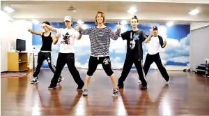 SHINee dance