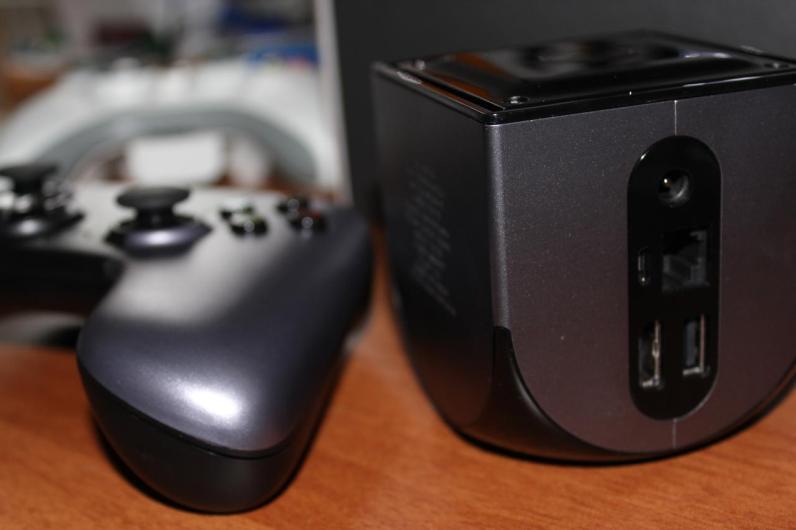 Zu erkennen auf der Rückseite: LAN, USB und HDMI. (Foto: GamingGadgets.de)