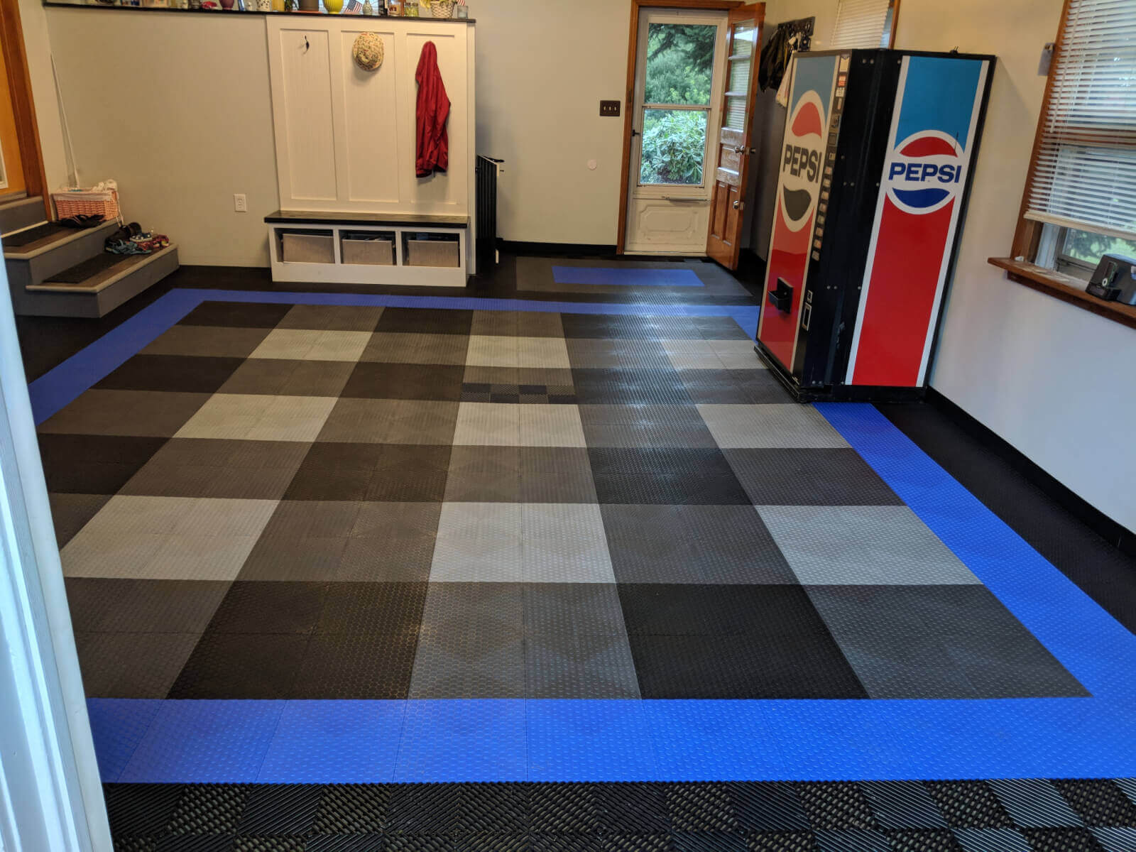 Garage Floor Tiles That Drain Truelock Hd Extreme Coin Garage Floor Tile