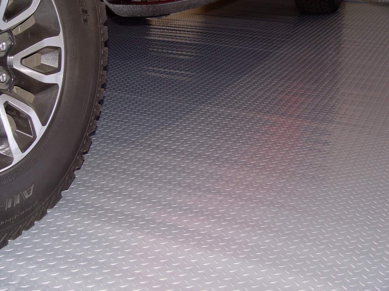 Drymate Garage Floor Mat Review Diamond Deck Garage Mats Cheap Garage Floor Mats