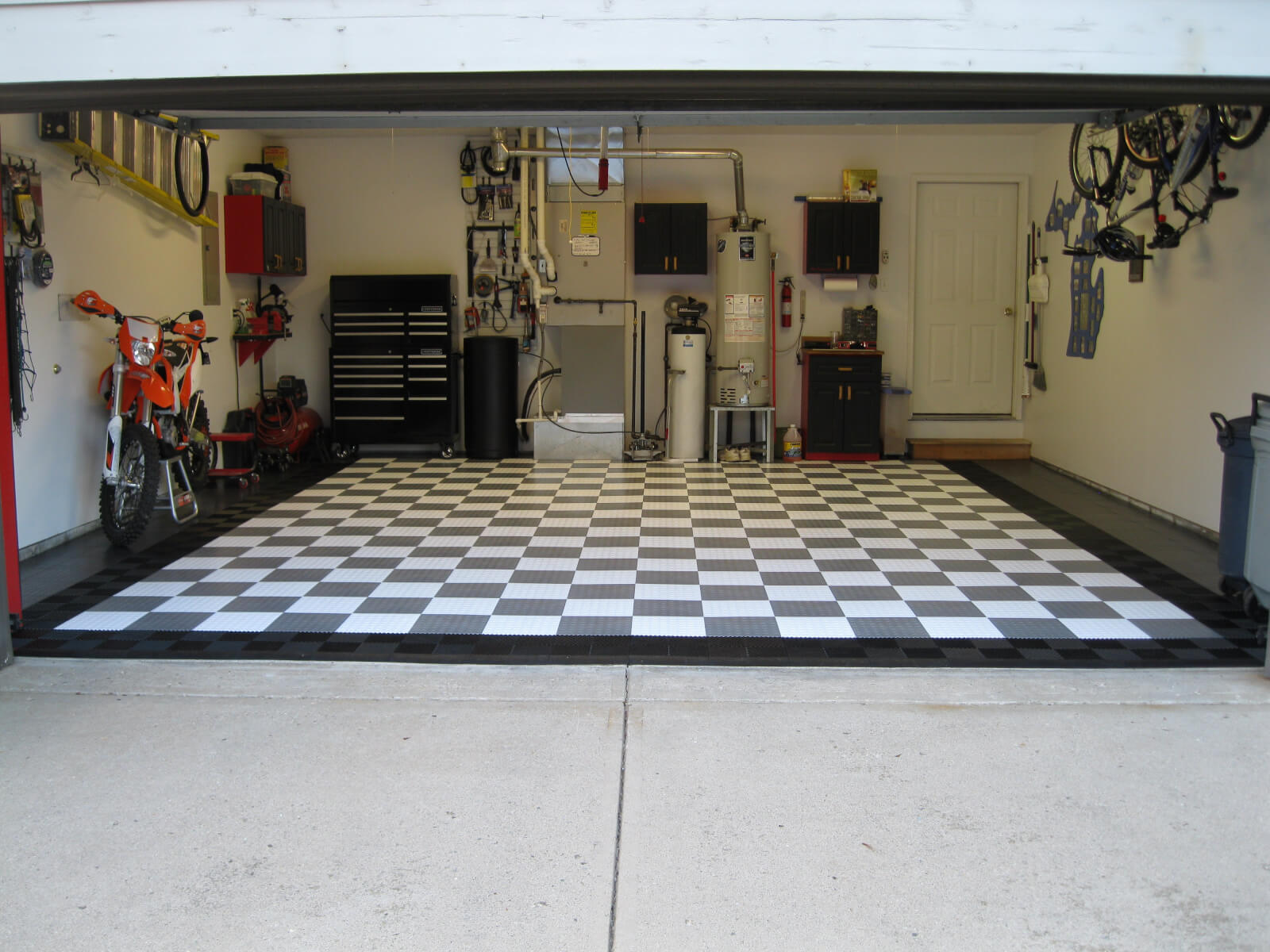 Garage Floor Tiles That Drain Paul S Coin Garage Floor Tile With Ribbed Drain Tile