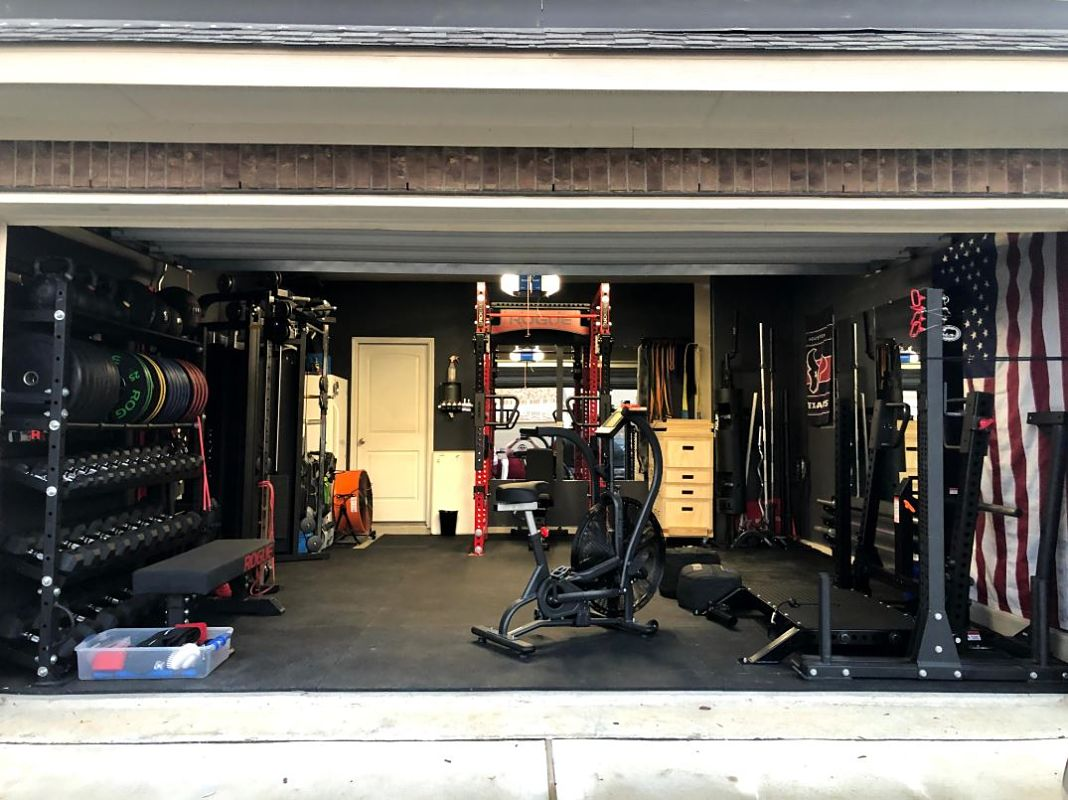 Garage Gym Reviews Titan Step Into Matt Michelle S Incredible Garage Gym Garage Gym Lab