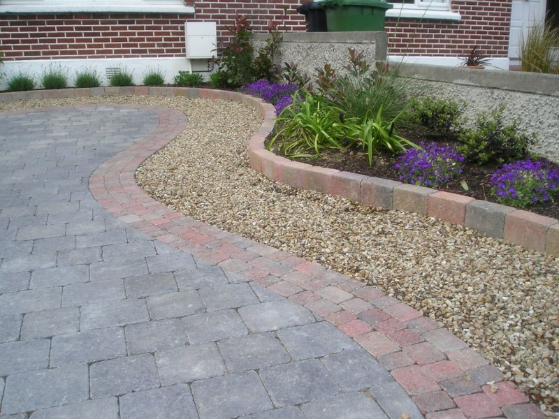 Block paving front driveway in a front garden in dun laoghaire co