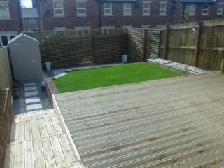 Contemporary decking in Guiseley