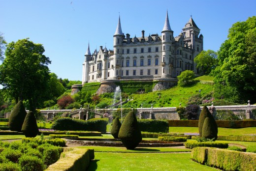Dunrobin Castle and gardens. Photo Paul Wordingham via Flickr
