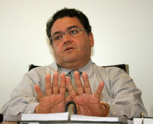 Roberto Rocha: mimetismo político e narcisismo