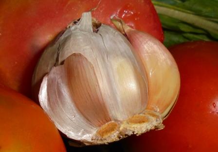 Tiga Pekan Jelang Ramadlan Harga Bawang Putih Melesat Naik