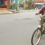 Nyaman Bersepeda Mengasuh Anak Menjelang Usia Senja