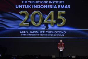 Direktur Eksekutif The Yudhoyono Institute Agus Harimurti Yudhoyono berpidato saat peluncuran The Yudhoyono Institute di Jakarta, Kamis (10/8/2017). The Yudhoyono Institute diluncurkan untuk melahirkan generasi masa depan dan calon pemimpin bangsa yang berjiwa patriotik, berakhlak baik dan unggul. ANTARA FOTO/Puspa Perwitasari/ama/17(ANTARA FOTO/PUSPA PERWITASARI).