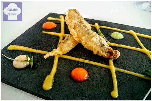 Bocarte en tempura sobre crema de verduras