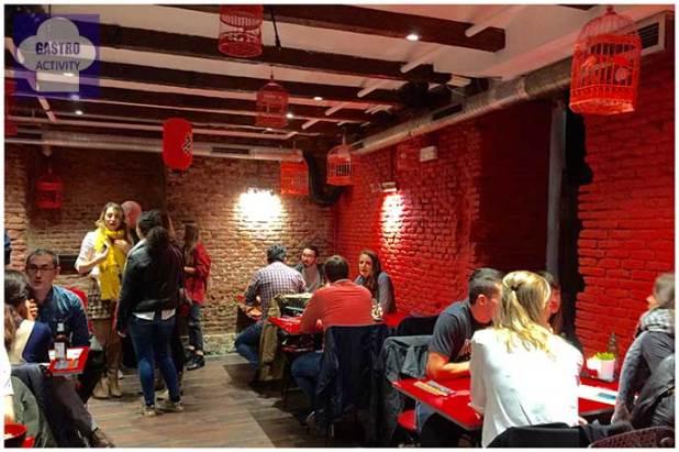 Interior del restaurante Tuk Tuk Madrid